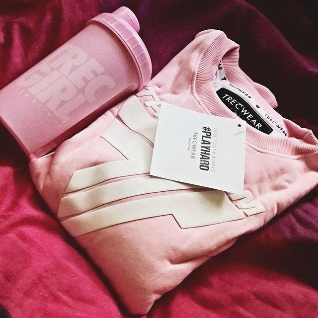 Jesteście fankami pastelowego różu? :) / Are you a fan of a pastel pink colour? #workout #trening #trecgirl #training #befit #sport #gymwear #active #sportswear # #stylizacja #stylisation #fitness #getfit #polishgirl #motivation #sweatshirt #instafit #fit #bluza #sweatshirt #fullcap #hat #czapka #róż #pink #pinky #pastelove #pastele  @agnes_sus @trecwear @trecnutrition