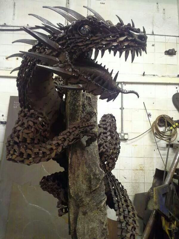 Awesome dragon sculpture