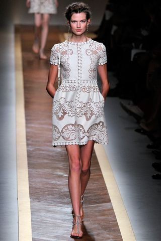Valentino, White, PFW: Ready To Wear, Spring2012, Paris Fashion Week, Style, Valentino Spring, Spring Summer, Cap Sleeve, Spring 2012, Lace Dresses