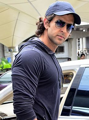 Hrithik Roshan Biography, Upcoming Movies, Filmography, Photos, Latest Movie, Wallpapers | MovieMagik