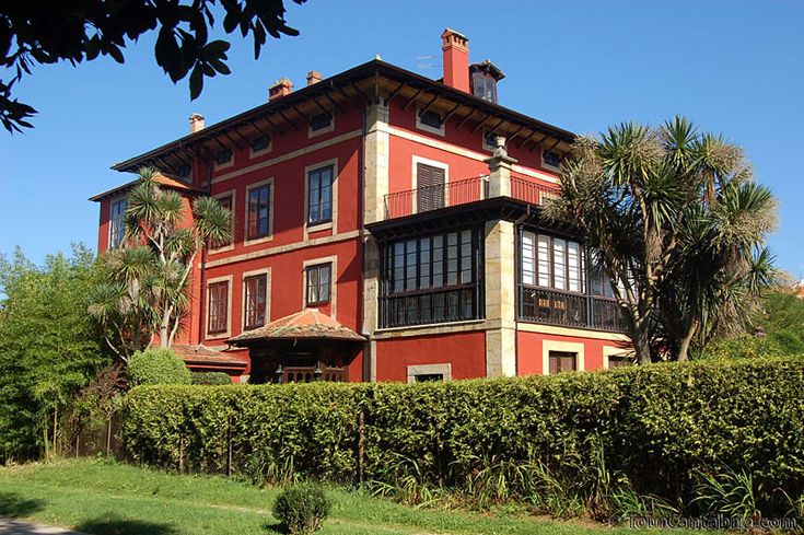 Villa de Comillas | Cantabria | Spain