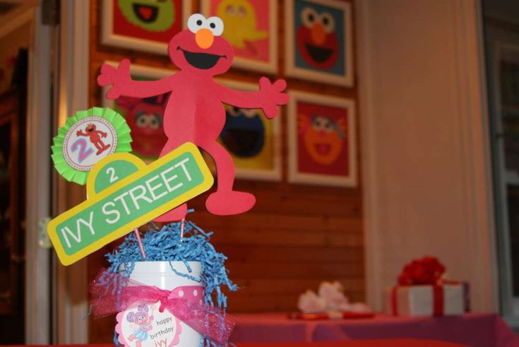 Ivy Loves Elmo | CatchMyParty.com