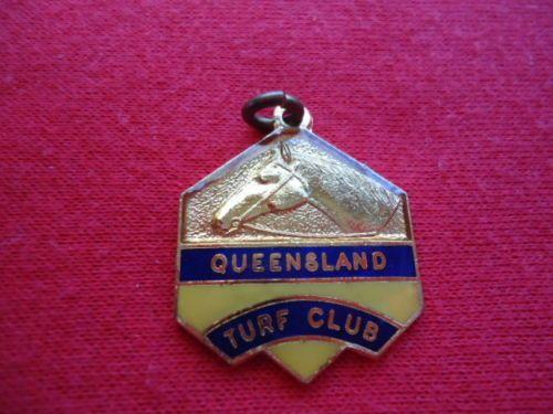 1971-72-QUEENSLAND-TURF-CLUB-RACING-MEMBERSHIP-BADGE-QTC