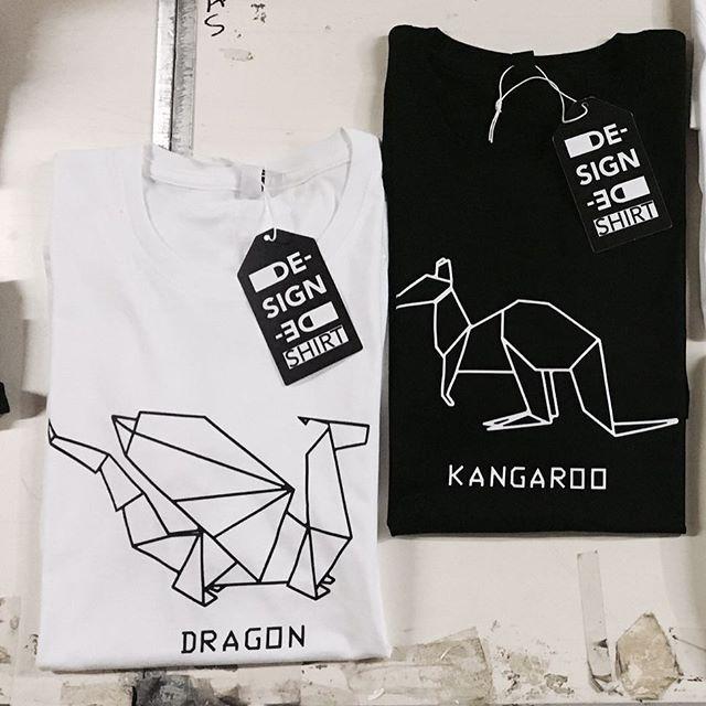 #mensfashion #kangaroo #kangarooorigami #origami #dragonballsuper #dragonorigami #australia #dragon #urbanwear #mensfashion #menswear#fashionblogger #outfitoftheday #urbanlife #trendy#menstyle #streetsyle #fashionstyle #designedshirt #de_sign_ed_shirt #gameofthrones #tronodispade #drago #canguro