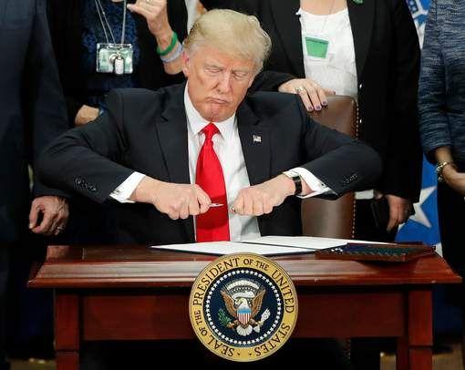 """Trump: """"Bouw van muur aan grens met Mexico begint over enkele maanden"""" - HLN.be"""