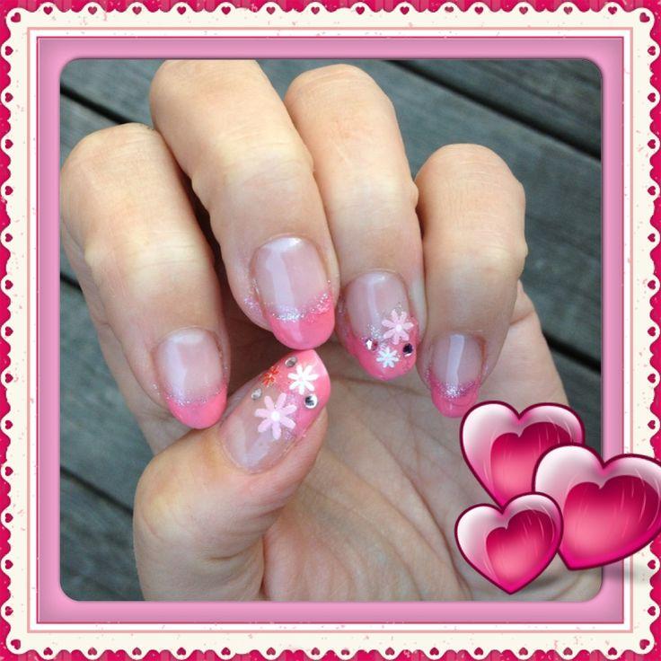 """Laget meg noen """"nye"""" rosa negler"""