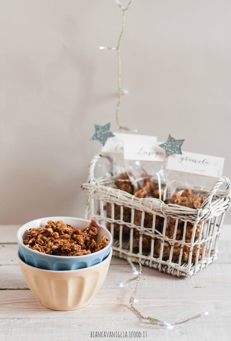 granola - christmas packaging (1)