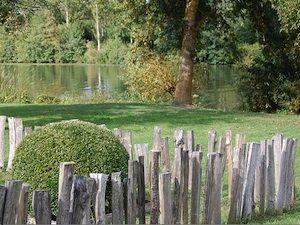 Bordure rustique en bois am nagement jardin all e murets pinterest for Bordure bois pour jardin potager