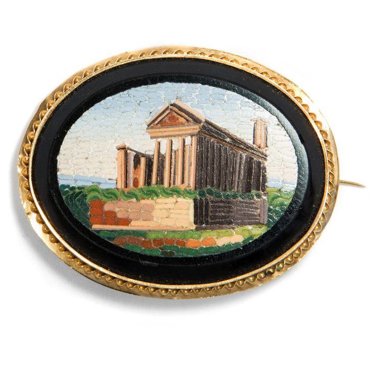 Um 1850: Antike Brosche mit Mikromosaik in Gold, Herkules Tempel in Cori, mosaic