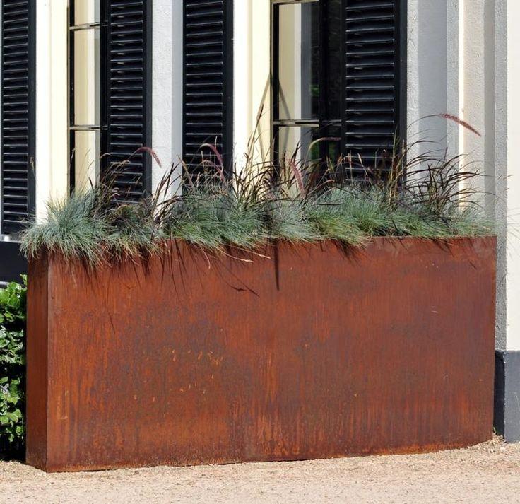 acier corten 50 id es de d co jardin tr s tendance design moderne pots de fleurs et pots. Black Bedroom Furniture Sets. Home Design Ideas