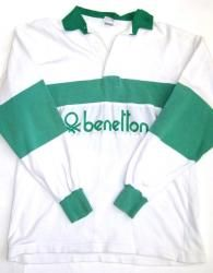 I used to get dragged into Benetton most Saturday afternoons in the mid 80's by my more 'well to do' friends.  The only thing I could ever afford to buy was a logo keyring :-)