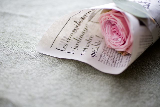 Use newspaper to wrap any type of flowers. Love it