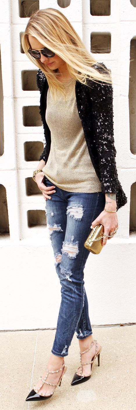 awesome 5 beautiful Christmas party outfits with denim pants