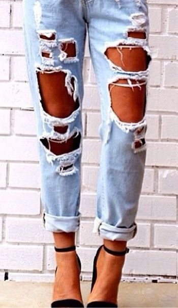 17 Best ideas about Ripped Boyfriend Jeans on Pinterest | Jeans ...