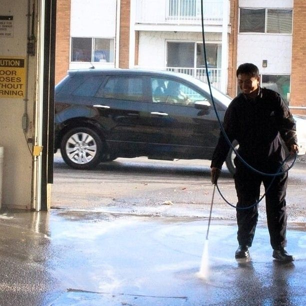 Washing dirt down so you can wash the dirt away!  #YYC #YYCBusiness #YYCCarWash #YYCCarCleaning #CarWash #CarCleaning #Clean #Detailed