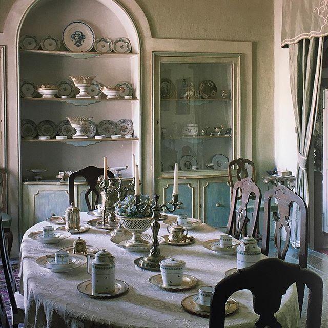 https://i.pinimg.com/736x/ea/ec/69/eaec692a44aca8deac9fa8ed379c1da2--fine-dining-dining-rooms.jpg