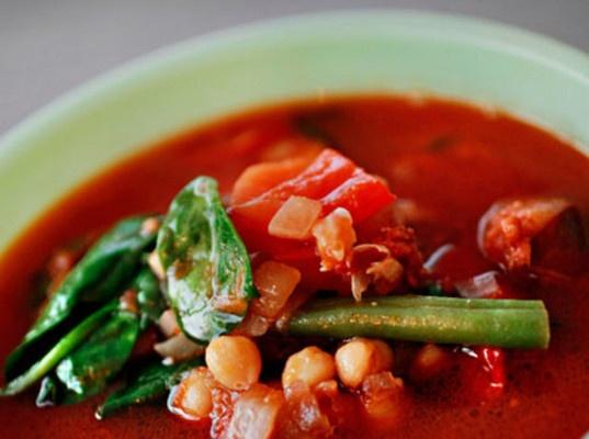 Kjøttsuppe med chorizo