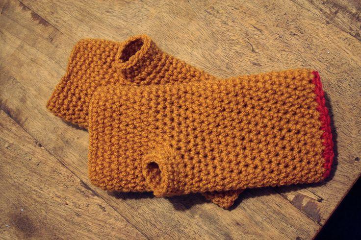 @ ponnekeblom: wrist warmers - photo tutorial & free pattern in Dutch
