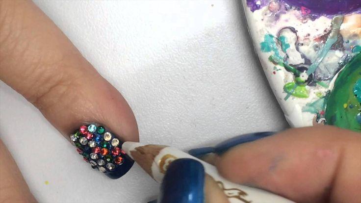 Decoración en las Uñas Fin de año ¡Comparte el video con todas tus amigas y no olvides suscribirte para más Nail Art es GRATIS! http://www.youtube.com/subscription_center?add_user=hlacosedora1
