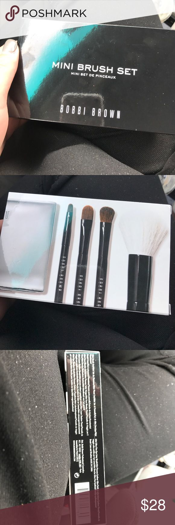 Bobbi Brown Mini Brush Set Never opened new and comes with bag to hold brushes.. feel free to make an offer Sephora Makeup Brushes & Tools