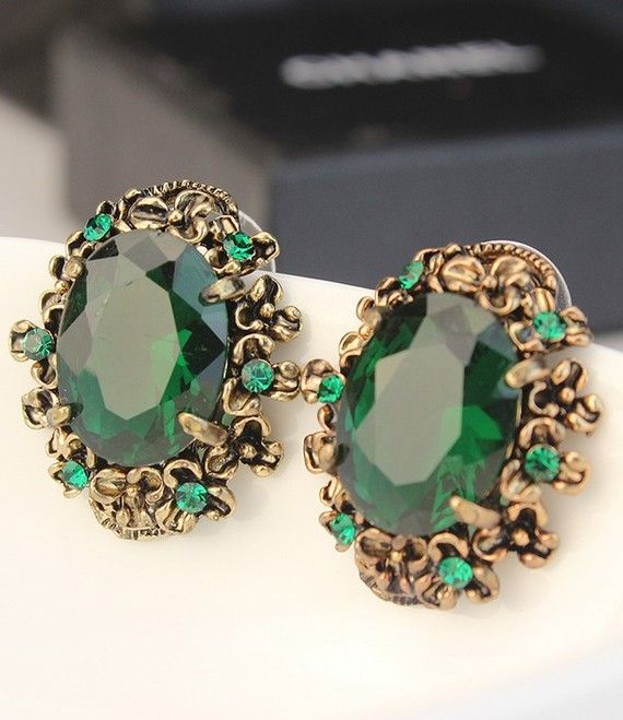 I would probably cry if I ever got these earrings they're gorgeous.