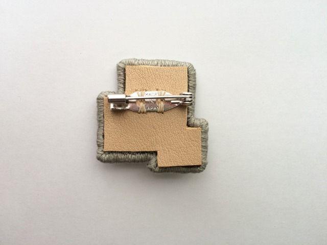 刺繍ブローチ【3 squares 】