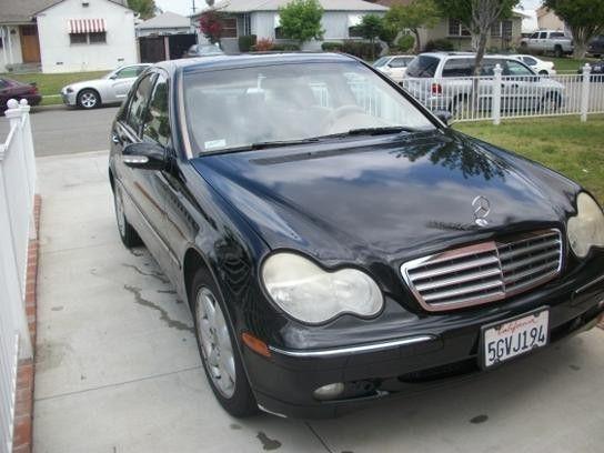 2004 Mercedes-Benz C240 Sedan - Price US$8.100,00