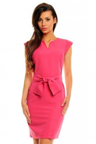 Różowa elegancka sukienka z paskiem i kokardą KM143-4