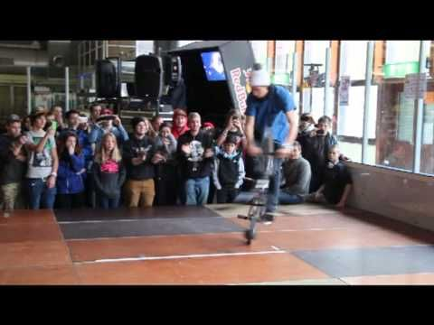 Viki Gomez, BMX flatland world champion giving a demo. #BMX #flatland #redbull