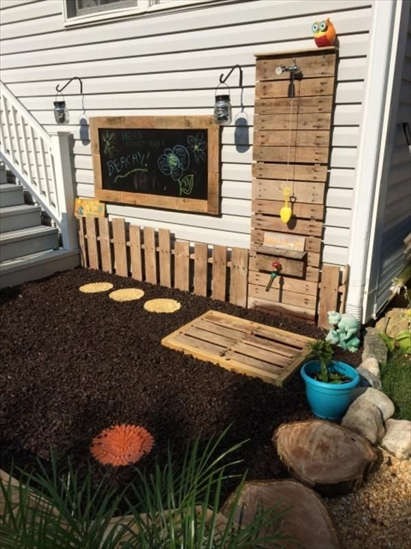 So, if you can create a pallet bathing space display for your shower with reprocessed wood created pallet it would work well. Wooden pallet makes your thoughts with DIY Wooden Pallet Outdoor Bathing Shower Projects.