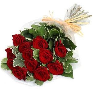 Send this beautiful 12 red roses bouquet to your loved ones in India. Visit Indiagiftshub.com