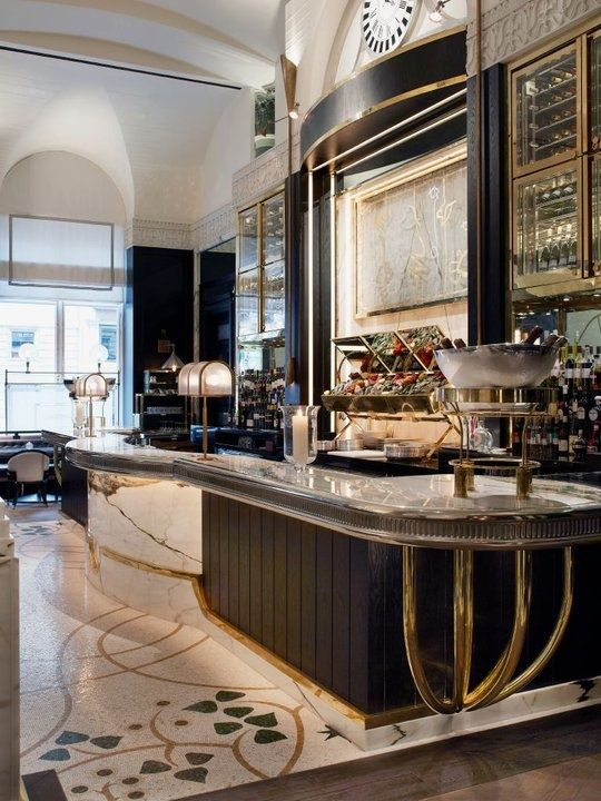 luxe interiors at Massimo in Mayfair, an Italian restaurant designed by David Collins (he's also the visual impresario of the Wolseley, the city's grandest cafe).