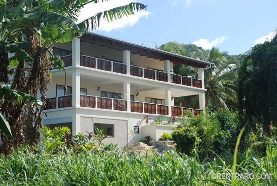 Matahere's Residence Rarotonga, Two self catering floors in one dwelling on the foothills of Muri ideal for large groups Rentraro.com