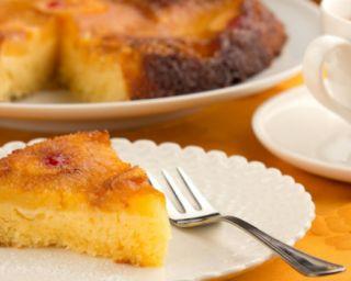 Gâteau au lait de coco et à l'ananas : http://www.fourchette-et-bikini.fr/recettes/recettes-minceur/gateau-au-lait-de-coco-et-a-lananas.html