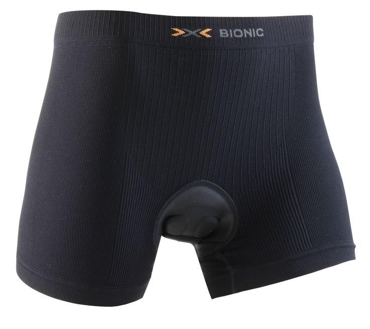 Boxer Sous Short Femme BIKE Energizer BT 2.1X-Bionic Noir En vélo ou en VTT sous un short large par exemple, le boxer avec insert est extrêmement confortable et respirant. L'écoulement de la sueur au niveau du coccyx et du bas ventre est stoppé dès son apparition. L'humidité est évacuée efficacement vers l'extérieur. #lingeriesport #sport #corsairesport  www.lingerie-sport.com