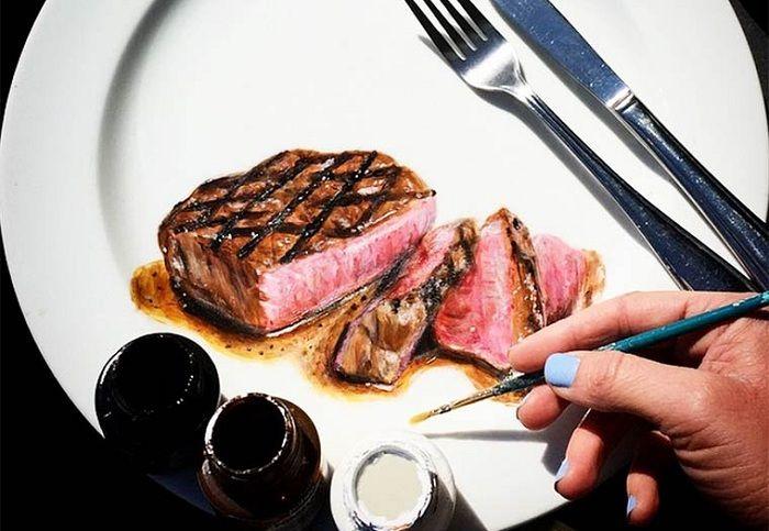 Для решивших похудеть: фарфоровые тарелки с реалистично нарисованной едой (6 фото)