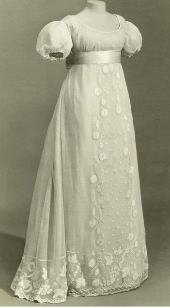 Though simply hued, there is nothing pedestrian about this immensely beautiful regency era gown. gown dress