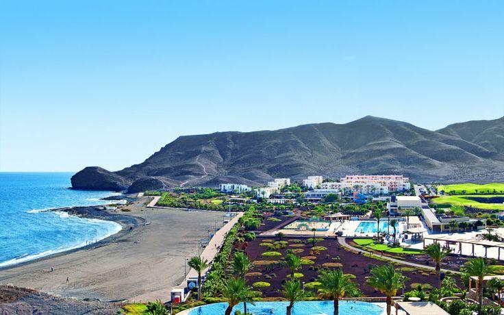 Rejs på en aktiv ferie til Playitas med familien. Se mere på http://www.apollorejser.dk/rejser/europa/spanien/de-kanariske-oer/fuerteventura/las-playitas