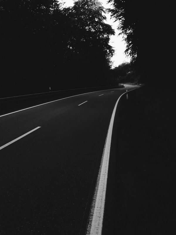 Smooth lines in the dark #street #bw #white #road #bike #dark | Jan Kloke | VSCO Grid®