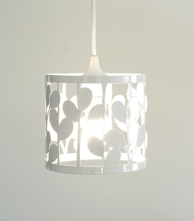 vertical leaf small pendant lamp // laser cut and powder coated steel