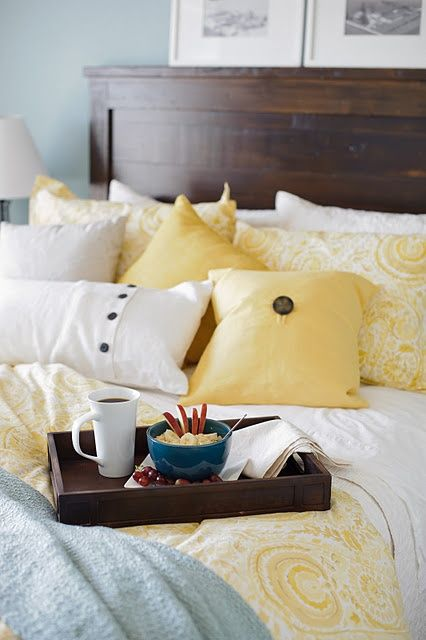 White, yellow, and blue. Love these colors for our bedroom. - Pins For Your Health