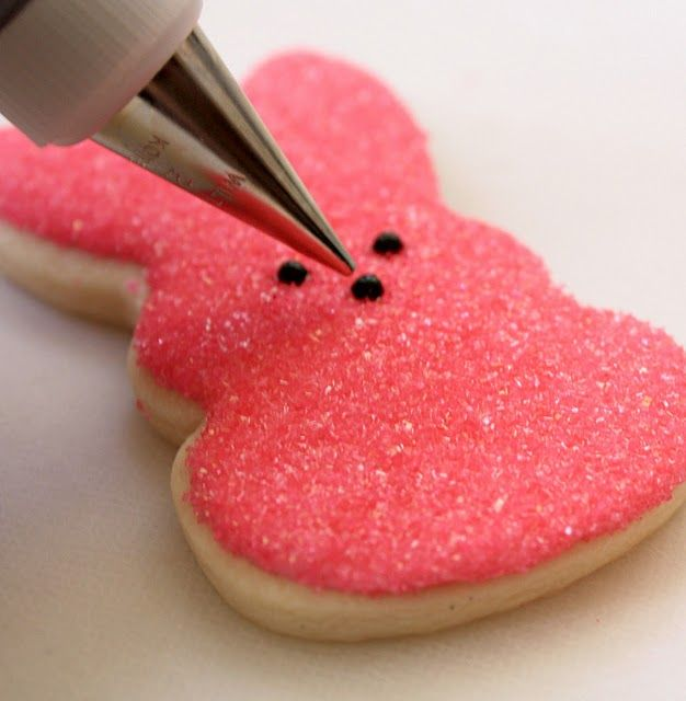 Peep sugar cookie tutorial. THIS IS ONE OF THE BEST SITES FOR