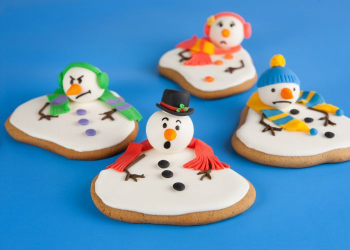 I saw a picture of these Melted Snowman Cookies the other day on Allrecipes.com and thought it was such a cute idea- I had to try it! The recipe I tried first used a lot of fondant- and while th…