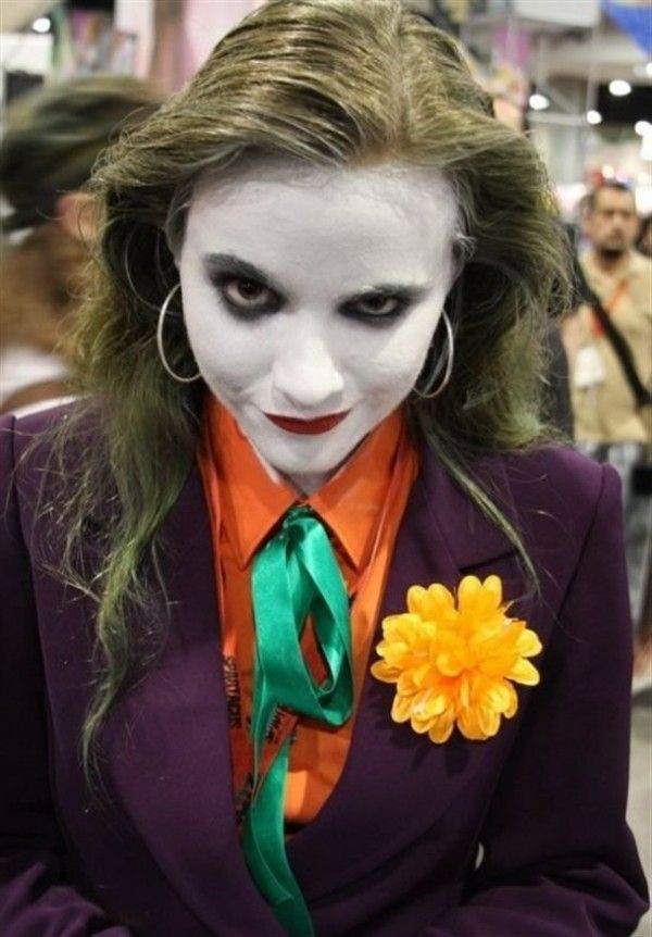 Joker--I could so pull this off for Halloween...scare the bejeebies out of some friends too!