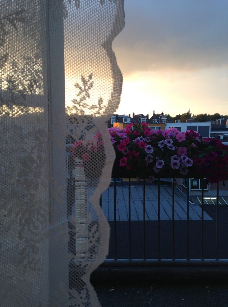 #romanticatmosphere #lace #balkony #sunset #flowers