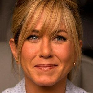 We're the Millers Photos with Jennifer Aniston - Rawson Marshall Thurber directs this comedy about a drug dealer who hires a fake family to help him smuggle marijuana out of Mexico.