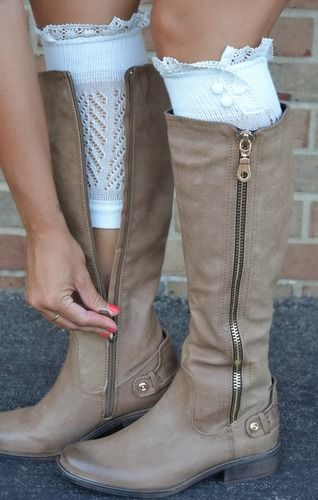 nice boots with cute boot cuff socks :)) If only I had normal sized calves!