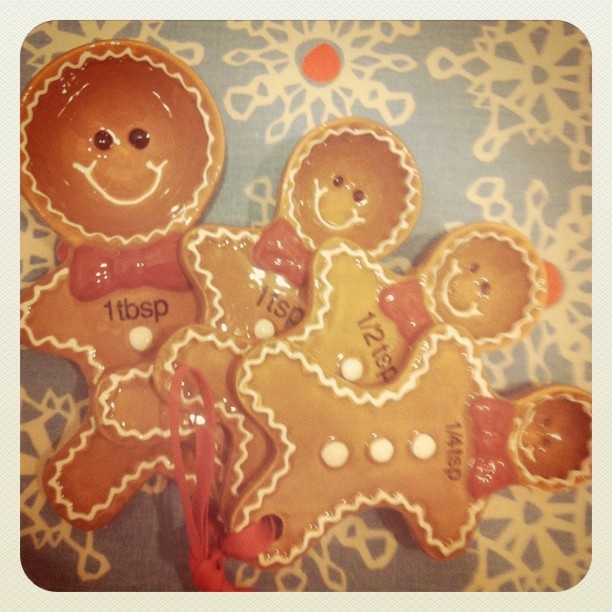 #pier one gingerbread measuring spoons