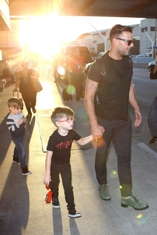 Ricky Martin and his twin boys return to sunny LA – Gallery Photo 1 | Celebrity Baby Scoop