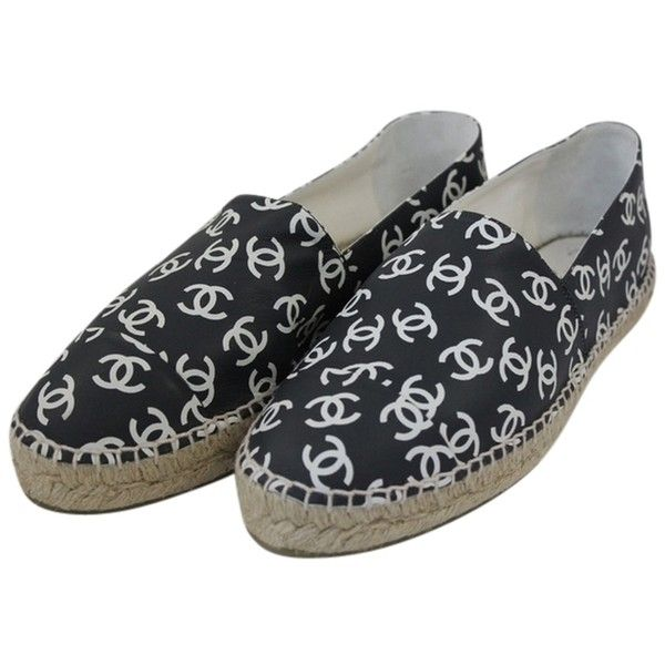 Pre-owned Chanel Black And White Leather Espandrilles Flats (€990) ❤ liked on Polyvore featuring shoes, flats, black and white, espadrilles shoes, leather shoes, leather espadrille flats, black and white espadrilles and black and white flats